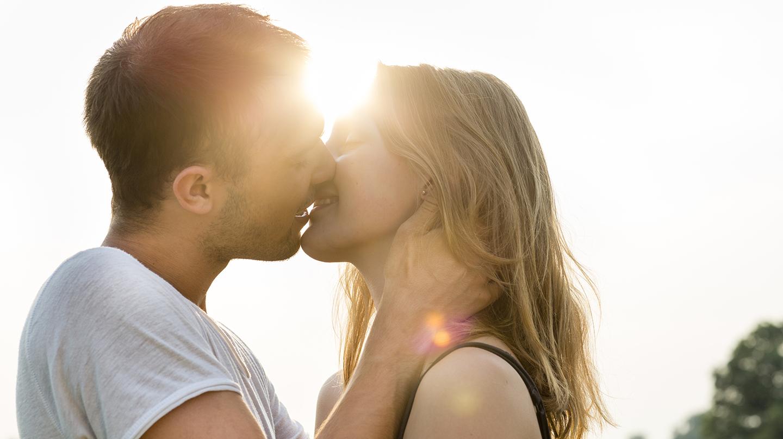 Junge Paar gehen oft zu unbesorgt mit Lippenherpes um.